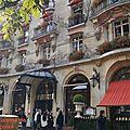 Goûter au Plaza Athénée (Palace Paris 8 ème)