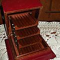 <b>Boîte</b> à cigarettes <b>ancienne</b> en cuir