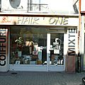 HAIR'ONE Lure <b>Haute</b> <b>Saône</b> coiffeur Hair devanture vitrine jeu de mot humour photo