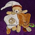 Doudou ours <b>tatoo</b>, Doudou et compagnie, beige marron, petites fleurs, www.doudoupeluche.fr