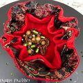 Bourse velours rouge à compartiments, intérieur noir à fleurs très chic