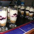 tiramisu en verrines cannelle myrtille pavot et mures violette