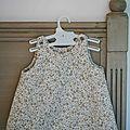 Petite robe romantique en velours milleraies