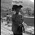 Mali : la femme aux ceintures