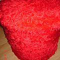 Pouf <b>coffre</b> à poils rouge des Années 70/80