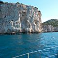 Croisière en voilier de Vodice à Opatija AR du 9 au 16 avril 2016. Les falaises de la côte ouest de Dugi Otok