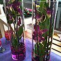 Composition florale en verrerie
