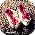 Défi des sc and more n°311 : les petons !ici ce sera une paire de chaussons au tricot, pour mes débuts en tricot justement