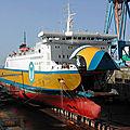 Les vacances de M. Hulot: un automobiliste breton laisse choir son bateau sur la rocade d'Avranches...