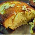 Gâteau miel amandes doré au soleil