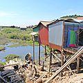307e jour : <b>Villages</b> <b>flottants</b> vietnamiens et histoires de guerre civile !