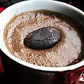 Mousse chocolat au lait, féves de cacao cru