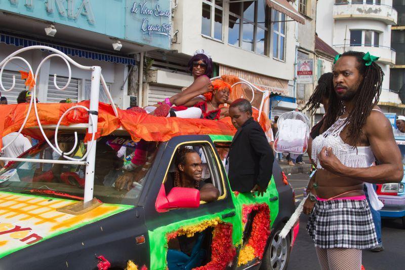 date carnaval martinique 2012