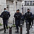Attaque à l'arme blanche près des anciens locaux de Charlie Hebdo, plusieurs <b>blessés</b>