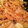 Gratin de penne à la saucisse, carottes et mozzarella