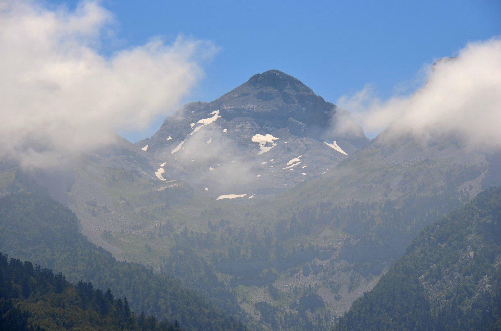 Le Pic d'Anie depuis le col de Bergout...
