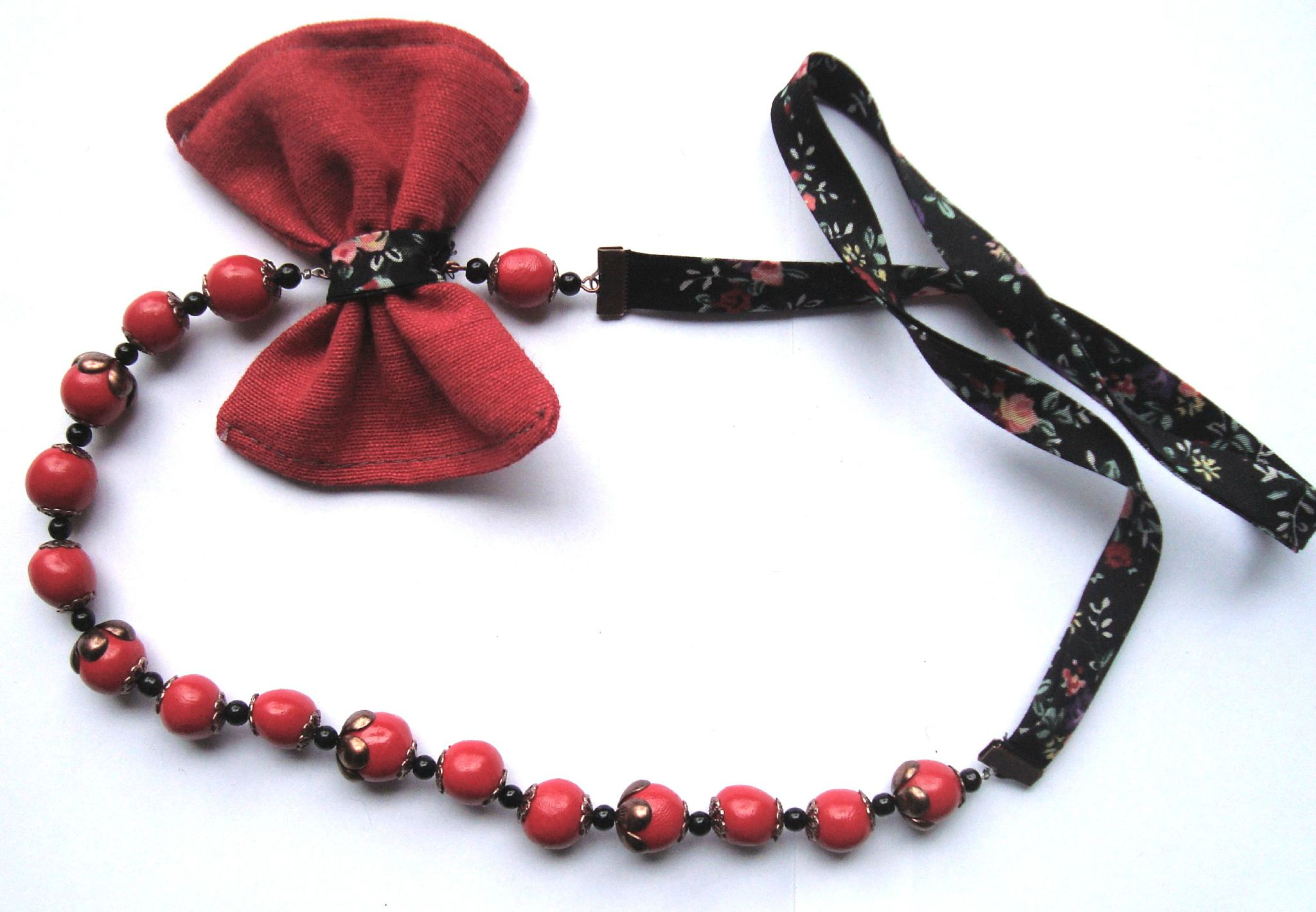 collier papillon rouge