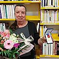 <b>Bernadette</b> Axissa reçoit la médaille d'or du travail.