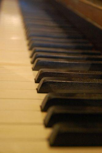 17-12-11 Le piano