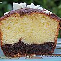 Cake vanille, chocolat noir...nappage chocolat au lait