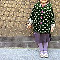 starsssss in her eyesssss ! (mais puisque je vous dis qu'elle avait besoin d'un nouveau <b>manteau</b>)