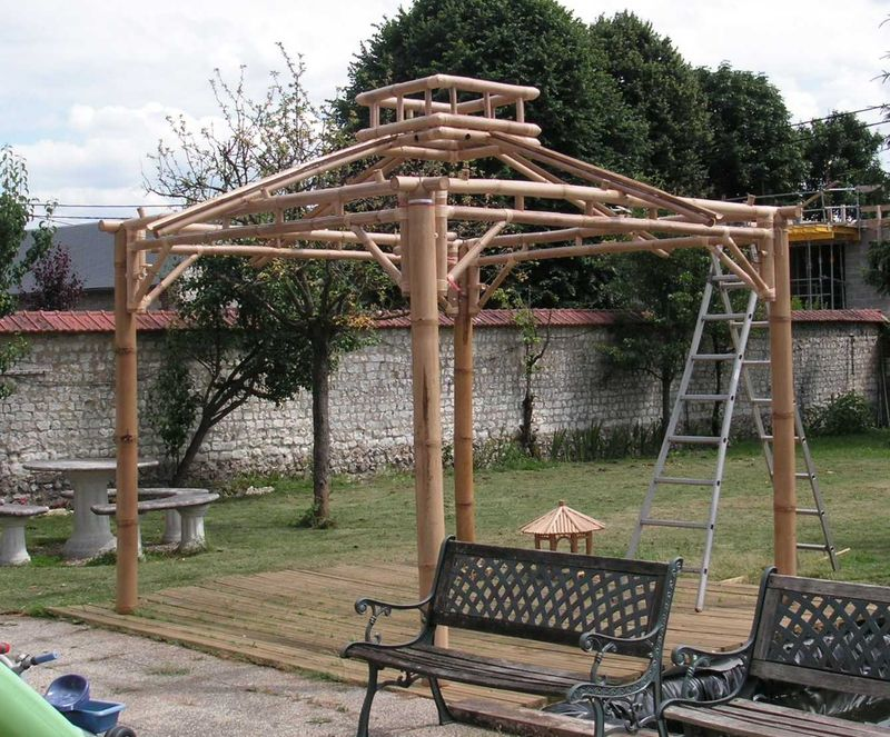 gazebo en construction photo de gazebo bambou meublez ecolo. Black Bedroom Furniture Sets. Home Design Ideas