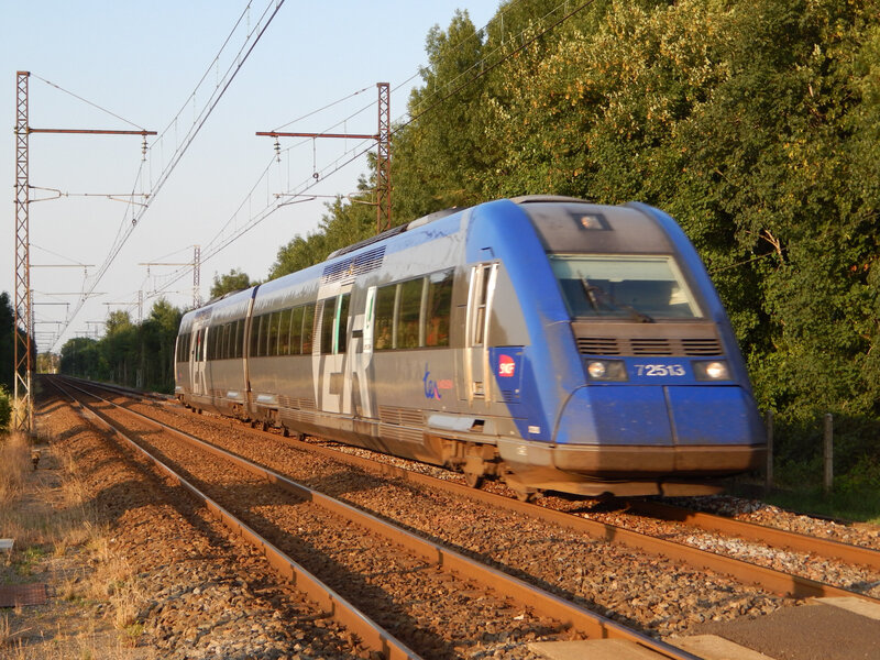 2013-07-26 20h05 PN181Thizay TER861463 Vierzon-Limoges X72513