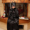 Cape de batman faite en satin duchesse
