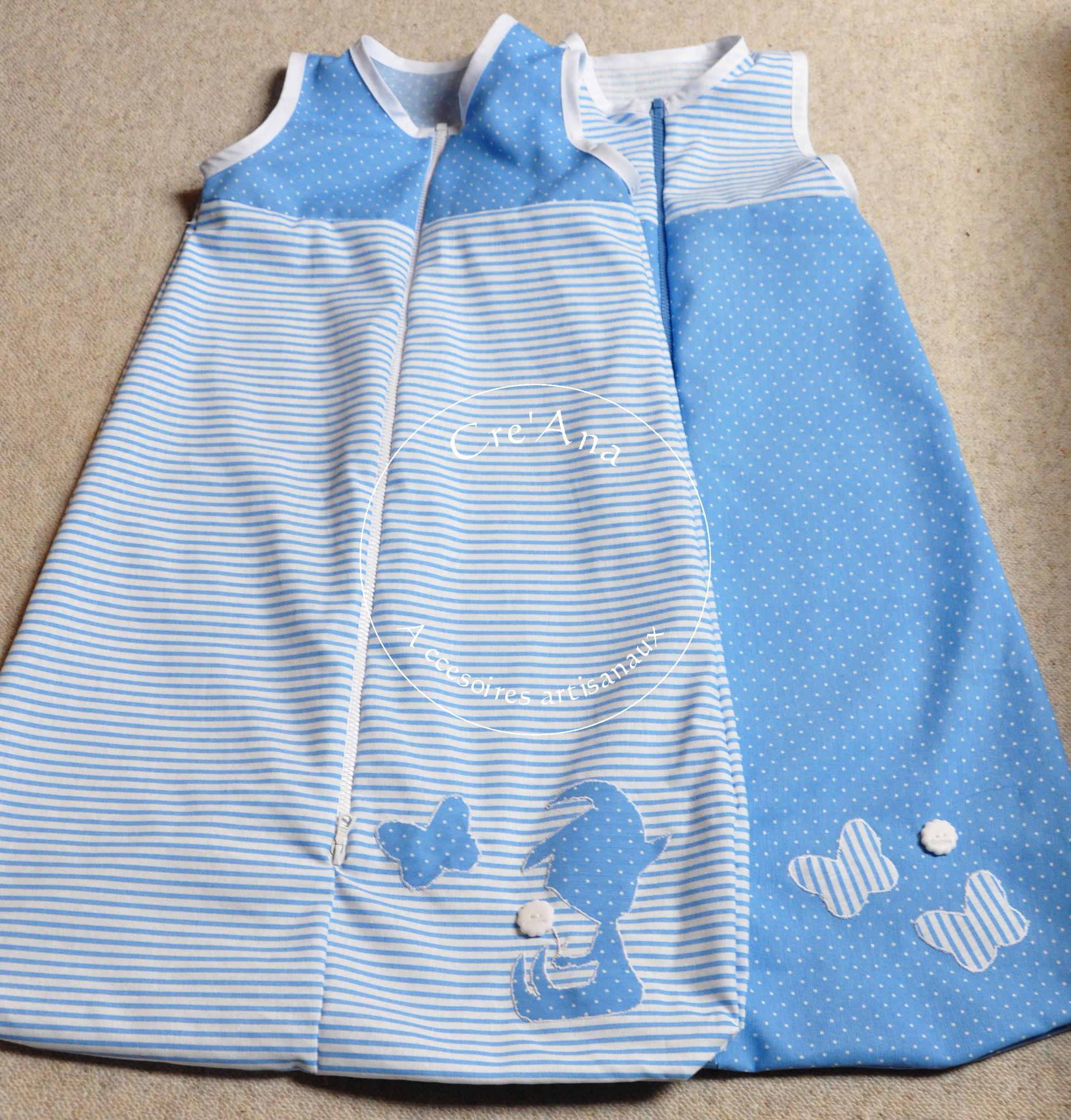 Sacs de couchage bleu avec lutin et papillon