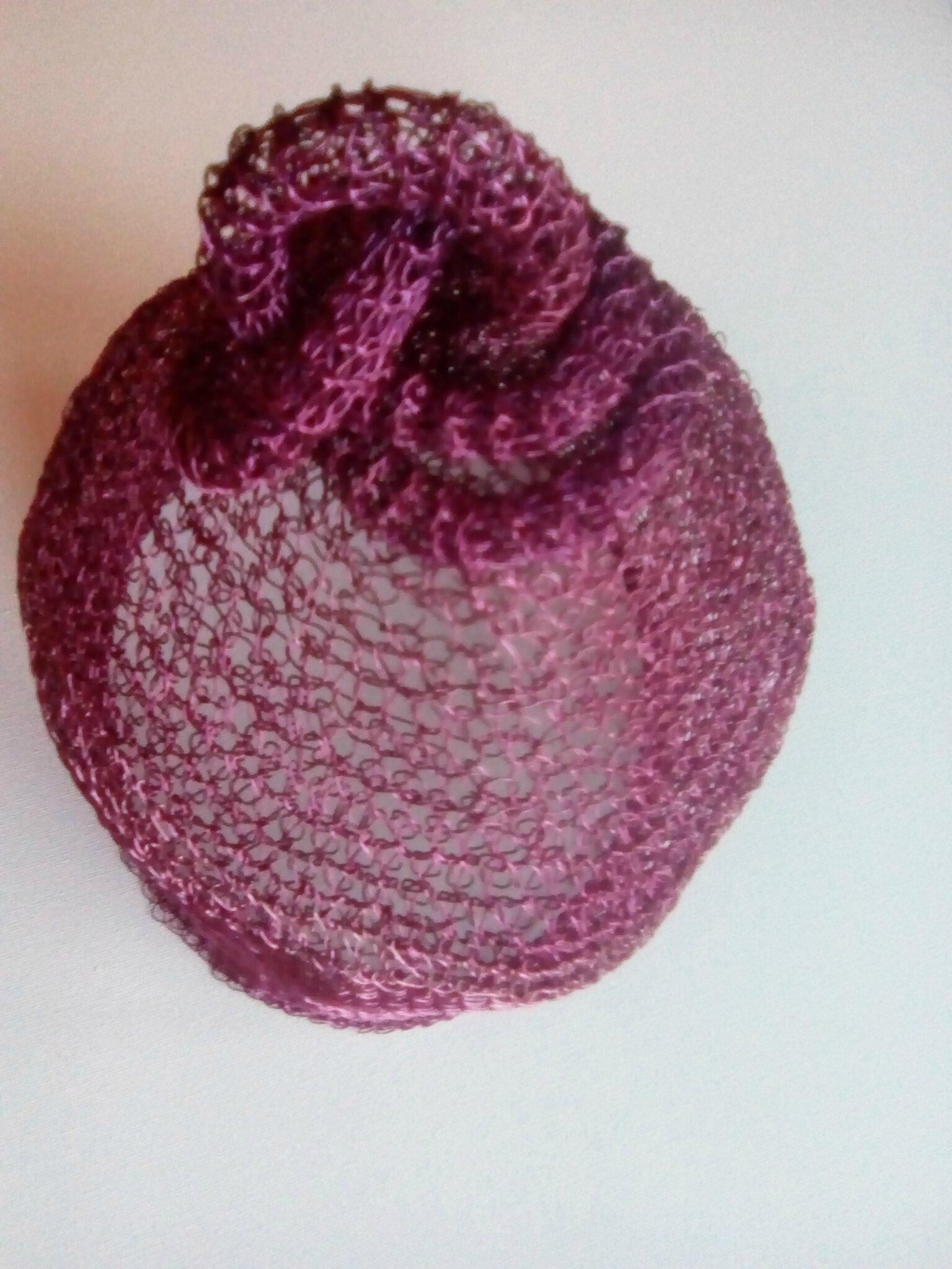 Crochet. Fil laiton 0.5mm. Technique tubulaire personnelle