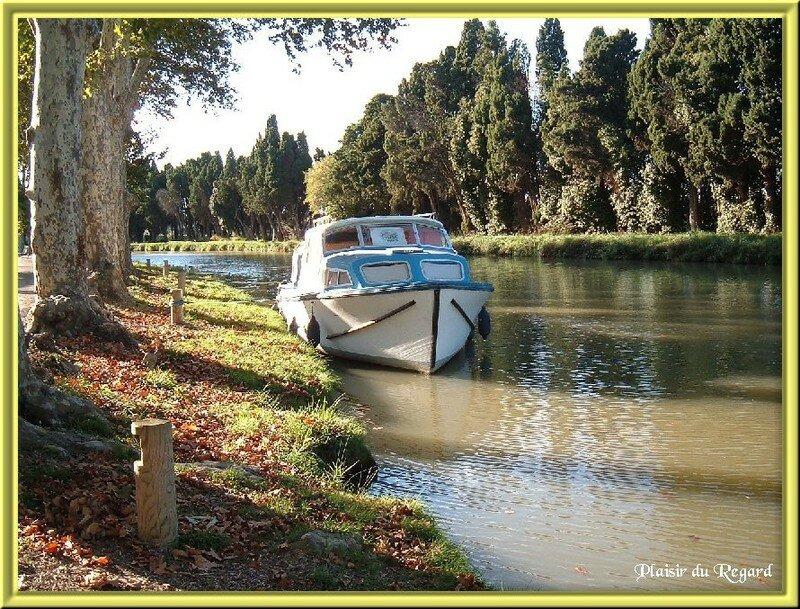 bateau sur canal 200 metres de la maison