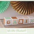 Cubes en bois <b>décorés</b> cadeau de naissance, baptême ou déco chambre d'enfant
