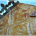 Galette des rois à la crème d'amandes et griottes au kirsh