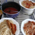 Spaghettis à la sauce tomate et aux saucisses (bio) la recette du mercredi
