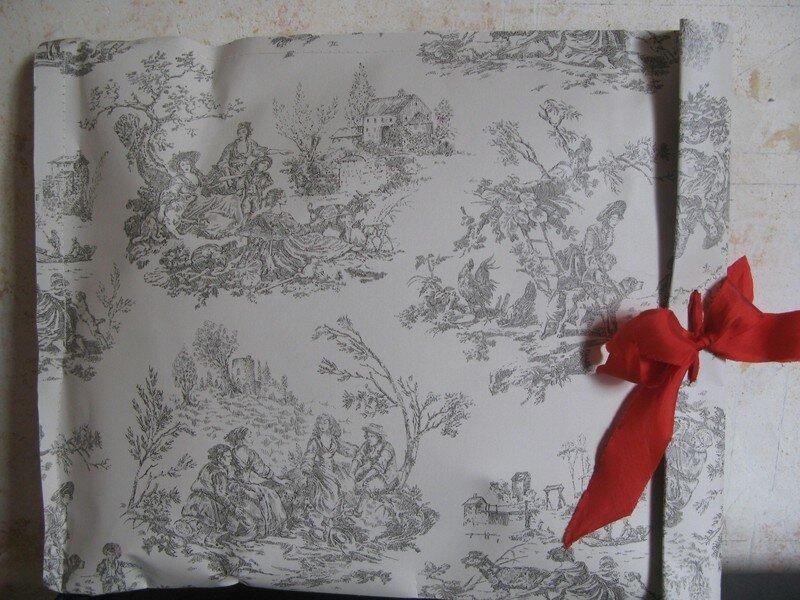 paquet cadeau en papier peint