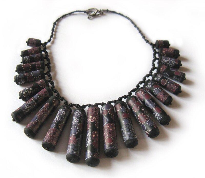 Collier tubes noir et violet - 24/02/2011