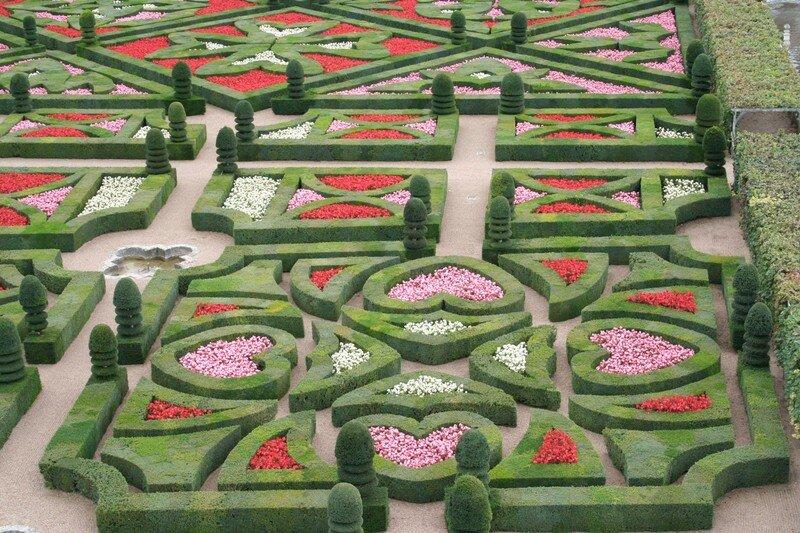 Vous trouverez le jardin d\'ornement, celui d\'eau - Photo de BALADE ...