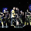 Jolin makes a surprise appearance at Wilber Pan's concert!