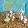 Des maisons étagères vintage pour miniatures et du rotin,