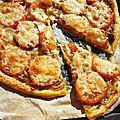 Tarte à la tomate et à l'oignon.