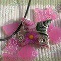 pendentif fimo + métal fleur rose