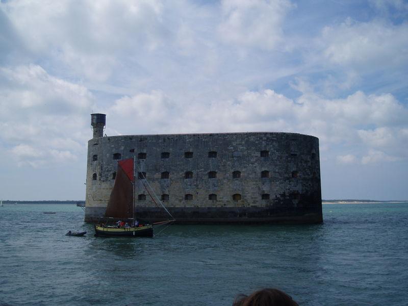 Vieux grément à Fort Boyard (Oléron, août 2010)