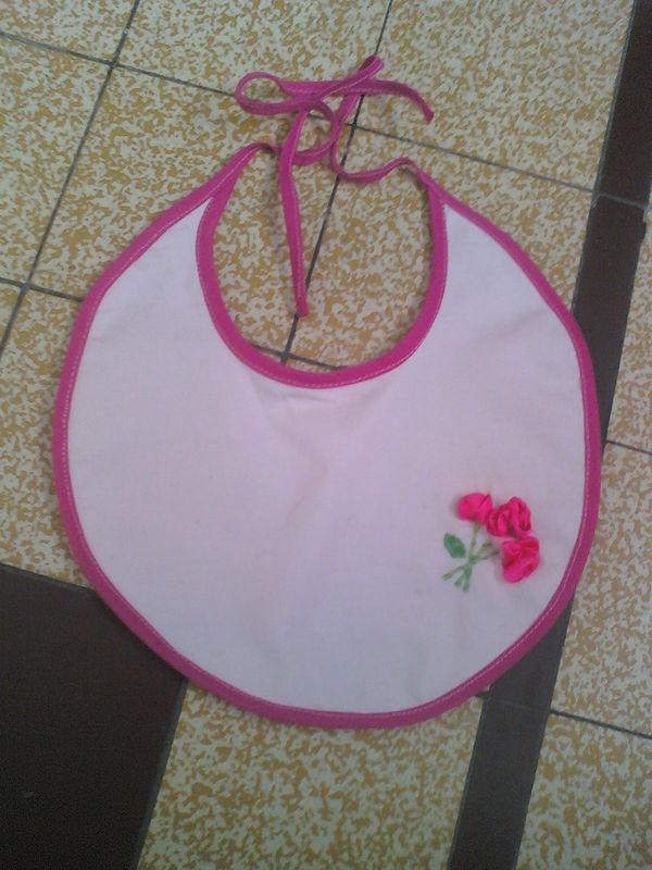 bavoir rose