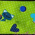 étui à mouchoirs vert à pois imprimé chats