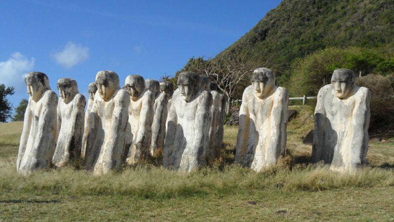 LE DIAMANT - statues commémoratives