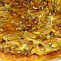 Tarte fine de chèvre frais, pommes, miel et pistaches