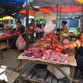 Scene de marche a Luang Prabang