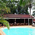 Le relais des plateaux: restaurant et piscine