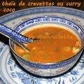 Soupe thaïe de crevettes au curry rouge et lait de coco
