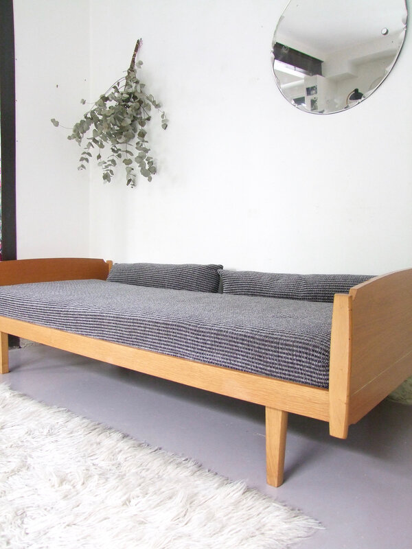 Banquete day bed vintage